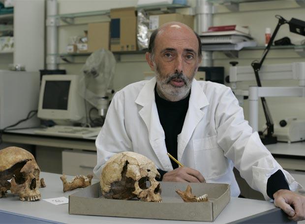 https://aricomemoriaaragonesa.files.wordpress.com/2009/03/antropologo_forense_francisco_etxeberria.jpg