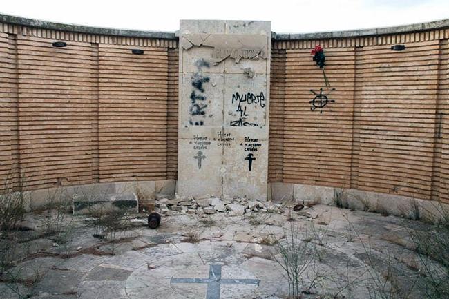 belchite-fosa-comun-ataque-fascista-sep2013