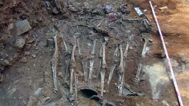 Autorizan-exhumacion-financiada-solidariamente-Internet_EDIIMA20130830_0195_13