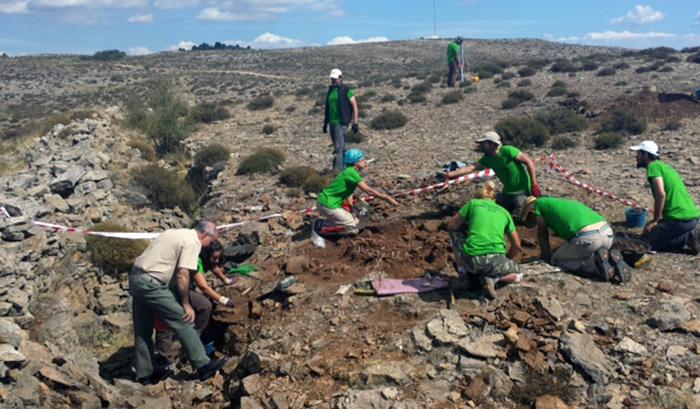 Sitio-donde-se-encontraron-dos-cuerpos-uno-de-entre-20-25-años-y-el-otro-de-15-junto-a-la-trinchera
