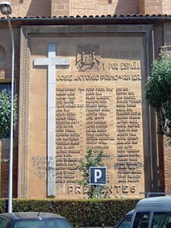 losa-fascista-iglesia-balbastro-foto-Blogmontano-225x300