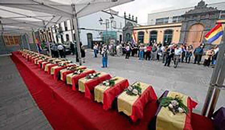 ENTIERRO DESAPARECIDOS GUERRA CIVIL EN ARUCAS. MEMORIA HISTORICA. C200310P_20150626