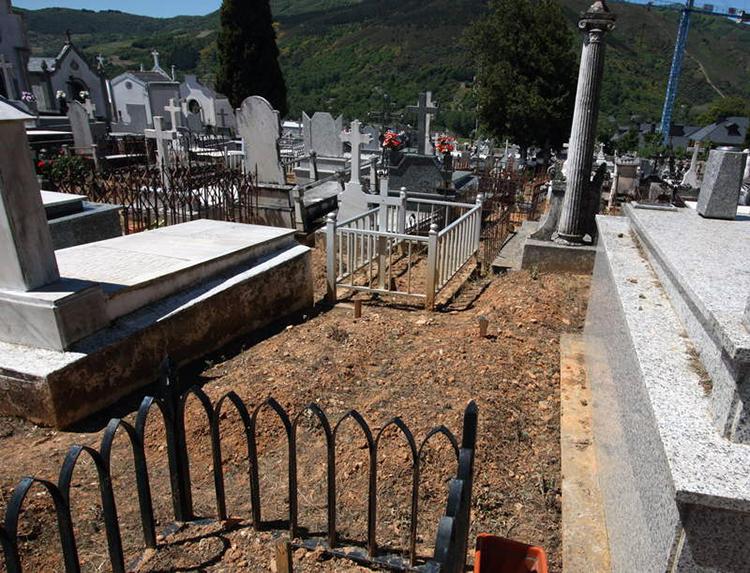 Fosa Villafranca del Bierzo Castañeiras