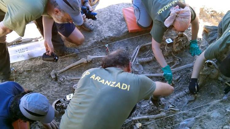 Exhumados-Senorio-Lekaun-Guerra-Civil_EDIIMA20150629_0659_4