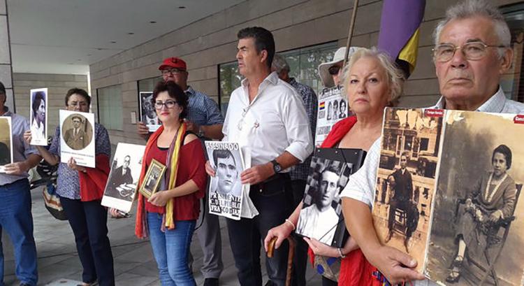 Victimas-franquismo-reunieron-desapariciones-ONU_EDIIMA20131128_0130_23