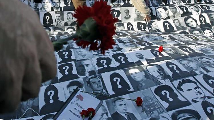 Homenaje-desaparecidos-franquismo_EDIIMA20151127_0523_4