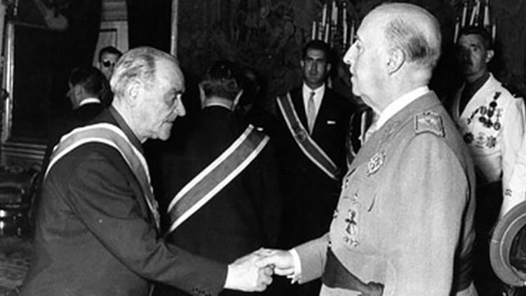 tercera-PSOE-solicita-medalla-dictador_EDIIMA20151030_0663_4