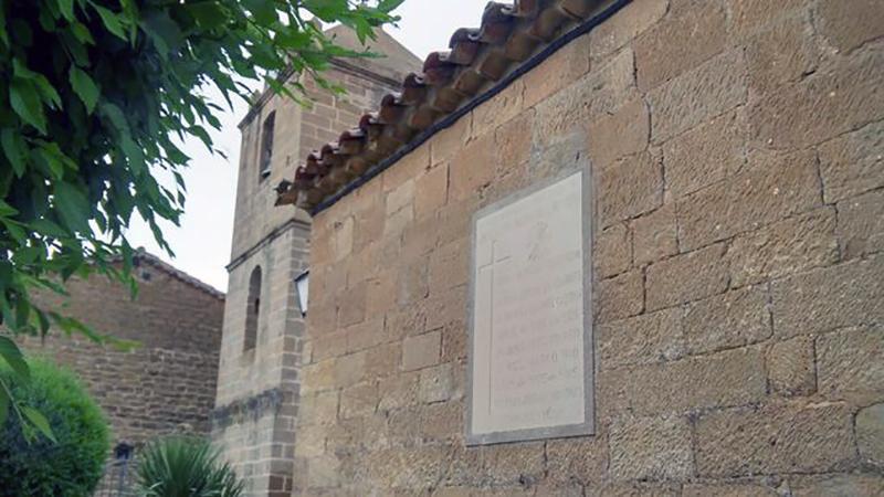 placa-fachada-iglesia_EDIIMA20160720_0547_18