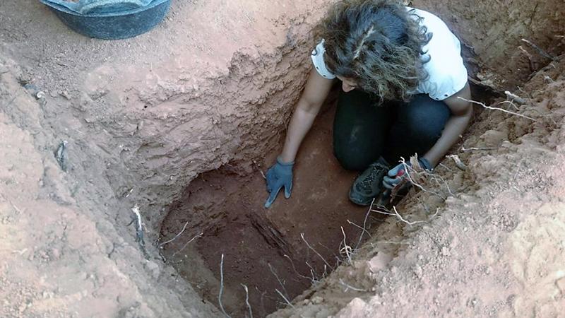 img_rmatas_20161004-201110_imagenes_lv_terceros_exhumacion_de_los_restos_de_una_fosa_en_tremp-k74h-u41782361405a5-992x558lavanguardia-web