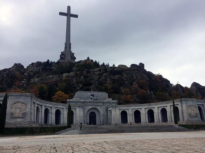 compromis-senado-valle-caidos-franquismo_ediima20161127_0045_19