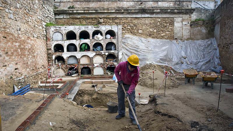 excavaciones-memoria-democratica-cementerio-isleno_1108699584_65066636_667x375