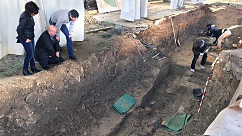 Avanzan-recuperacion-franquismo-cementerio-Camas_EDIIMA20161229_0411_19
