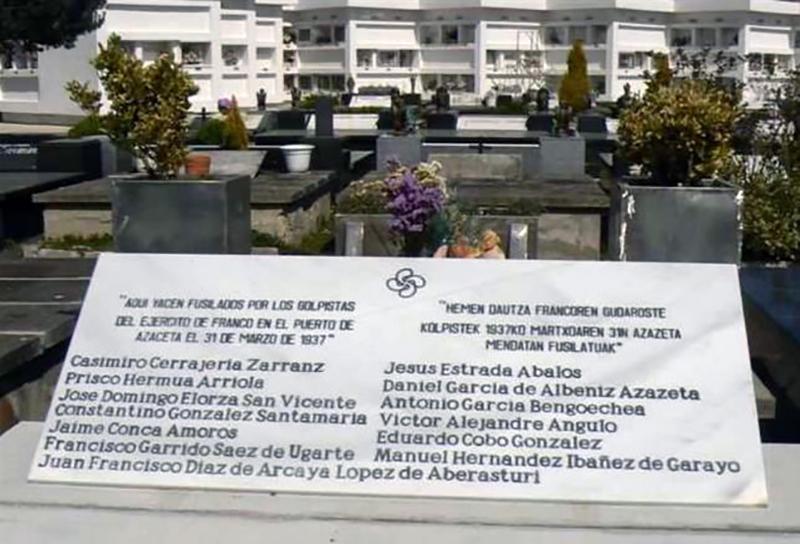 Lapida-recuerda-alaveses-asesinados-Azazeta_EDIIMA20170331_0723_5